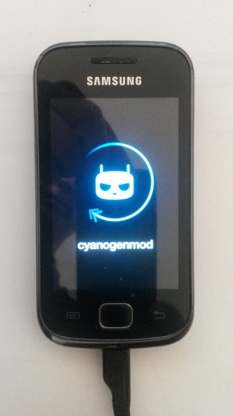 cyanogenmod11-gio-boot